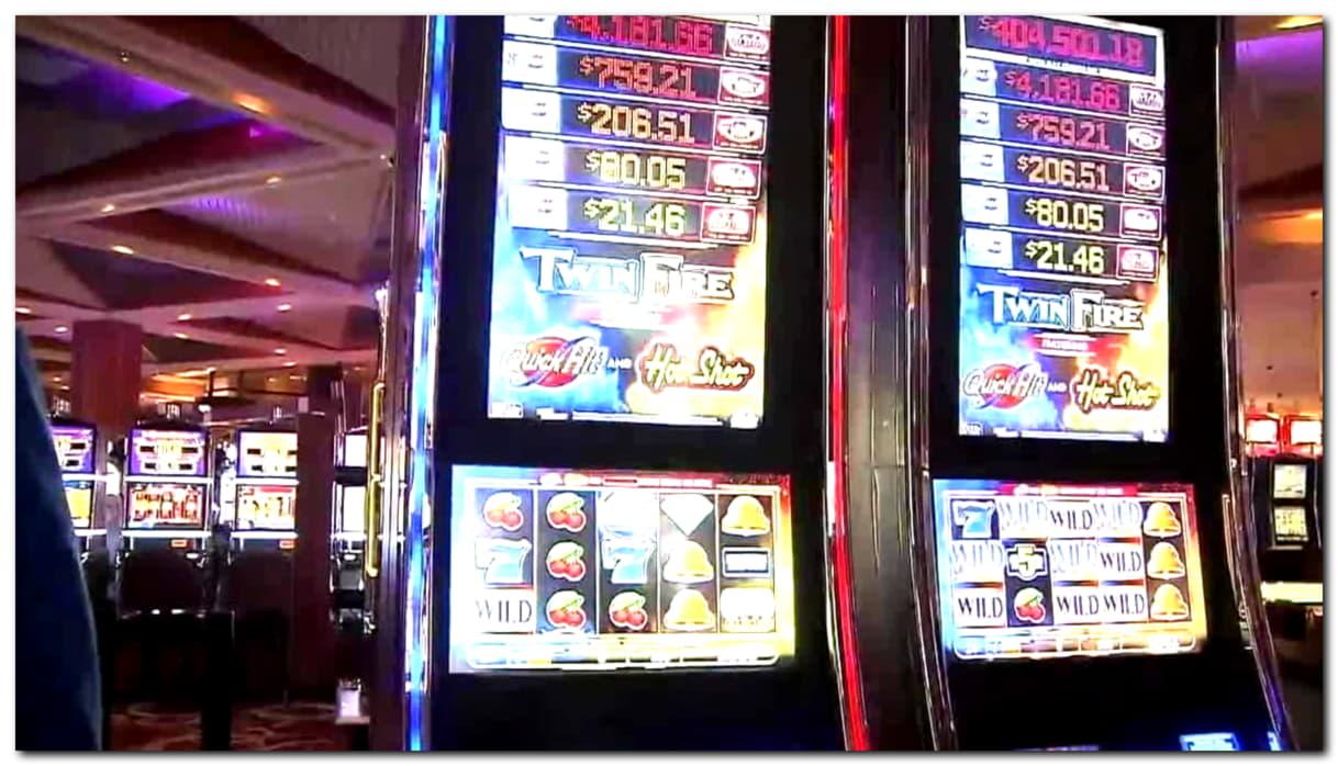 £300 FREE Chip at 7 Reels Casino